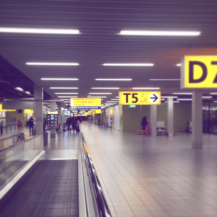 Hoe voorkom je stress op Schiphol?